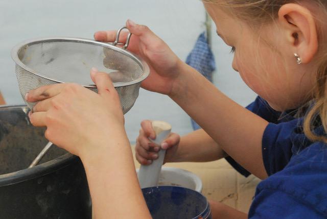 Ferienprogramm: Farbenküche mit der Kulturwerkstatt Kalmreuth